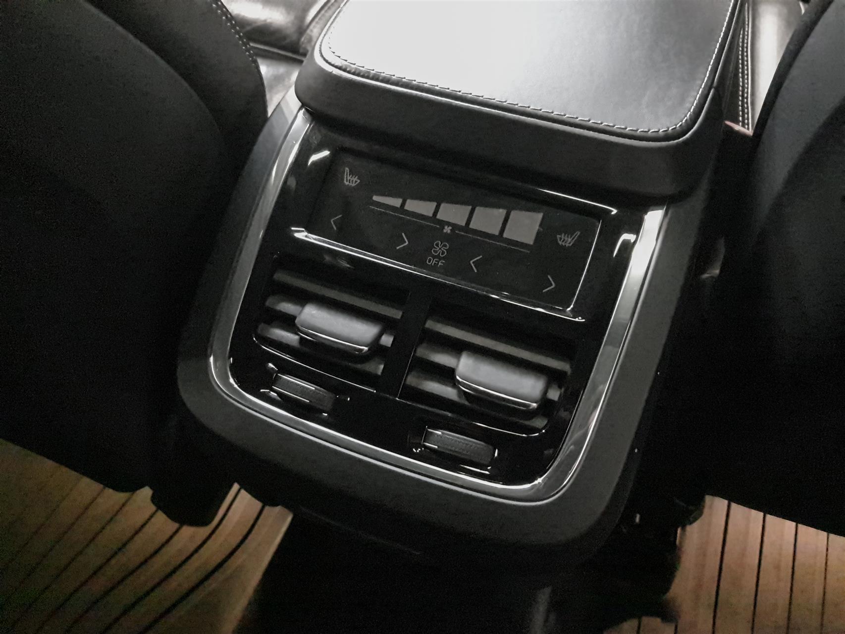 2,0 T6 Inscription AWD 320HK 5d 8g Aut. image7