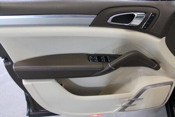 Turbo 4,8 4x4 500HK Van 6g Aut. image1