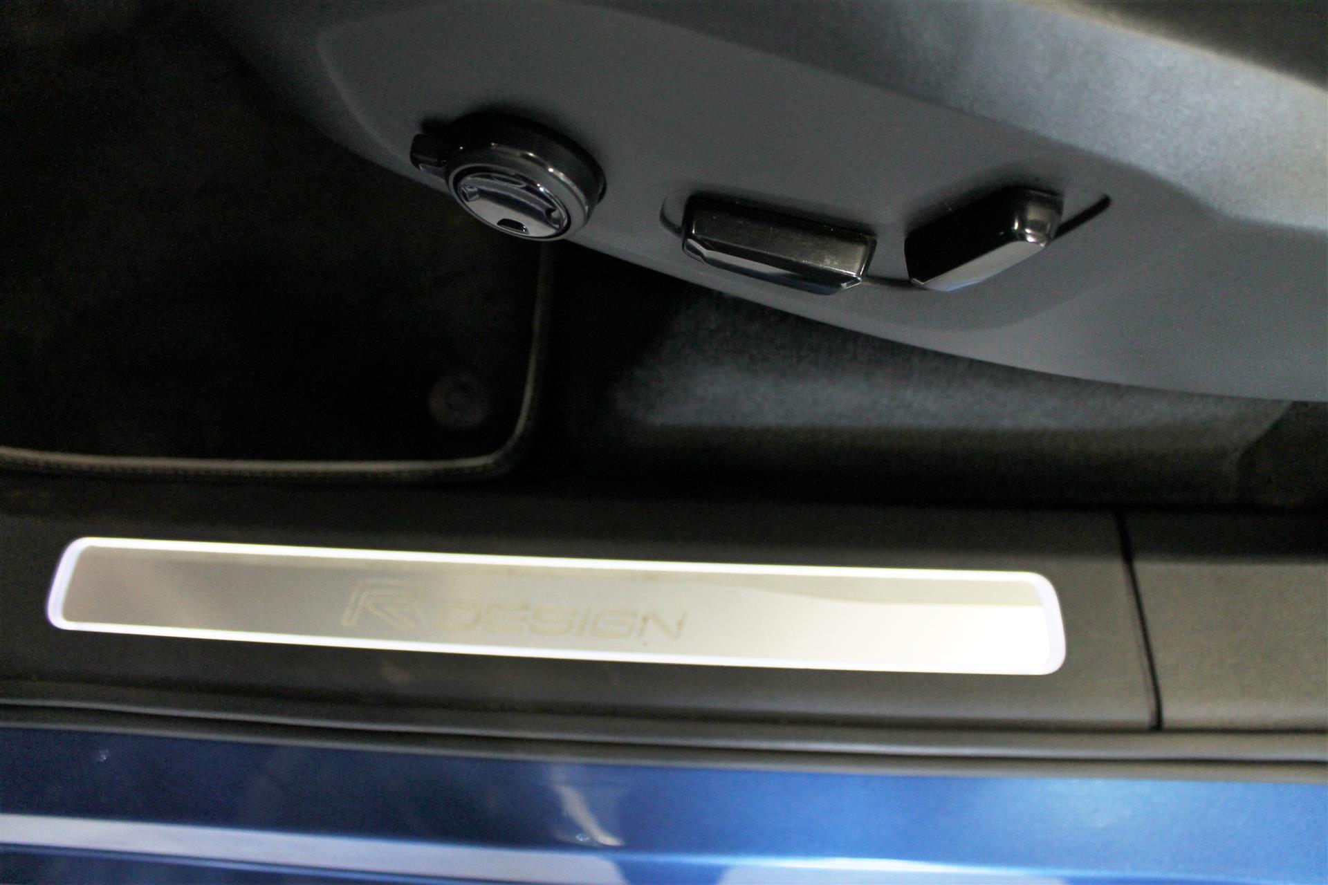 7 Sæder 2,0 D5 R-design AWD 235HK 5d 8g Aut. image4