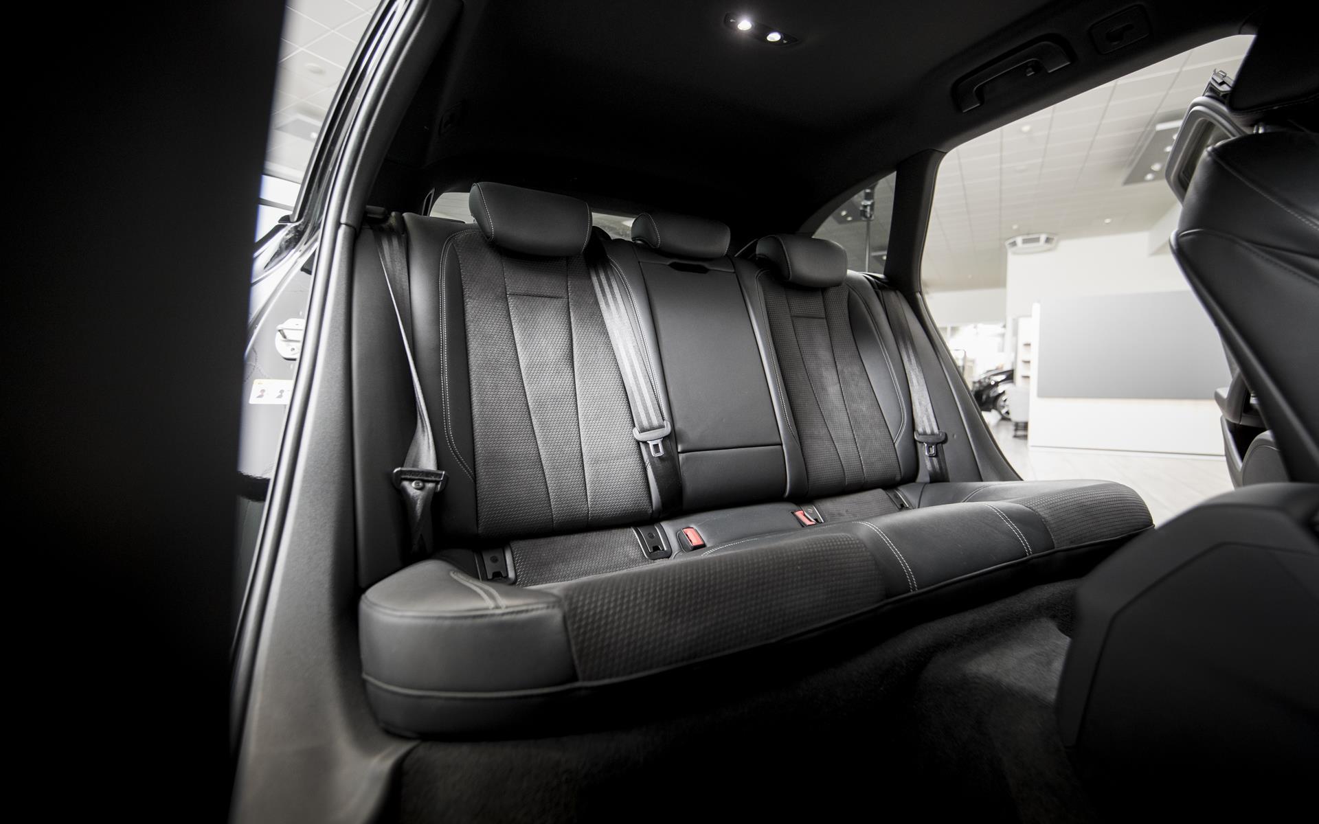 Avant 2,0 TDI S-Line Black Edition TipTronic 190HK Stc  image12