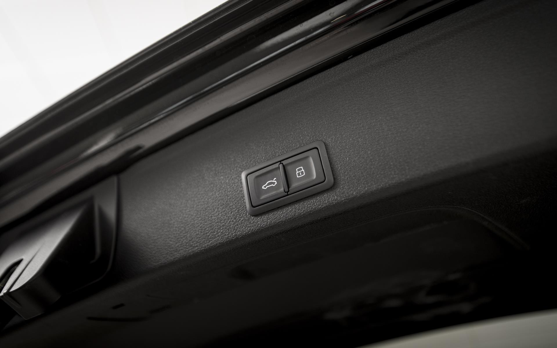 Avant 2,0 TDI S-Line Black Edition TipTronic 190HK Stc  image24